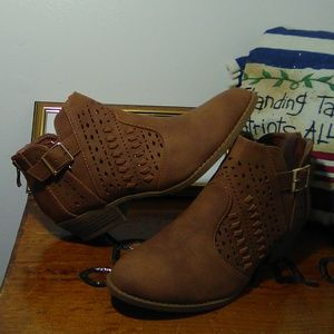 """BNWOT/ """"TOP Moda"""" ANKLE BOOTS"""